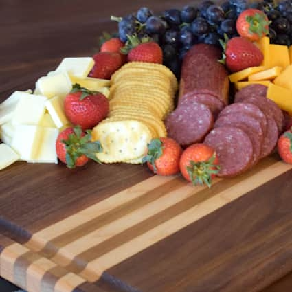 Stoverstown 1 in x 15 in x 20 in Butcher Block Cutting Board