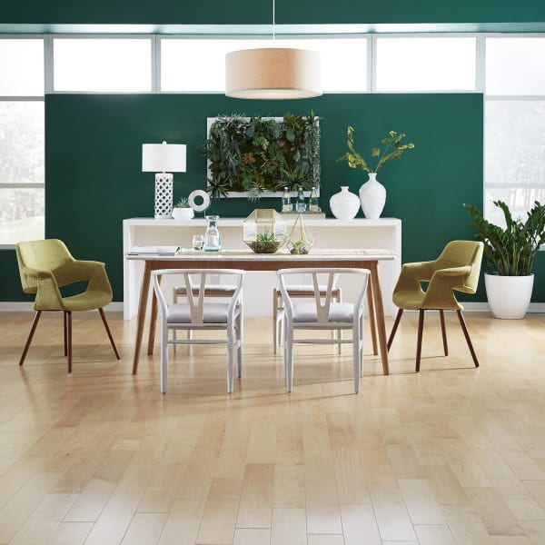 Natural Maple Engineered Hardwood Flooring in Dining Room