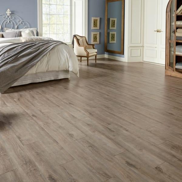 Sandpiper Oak Laminate Flooring in Bedroom